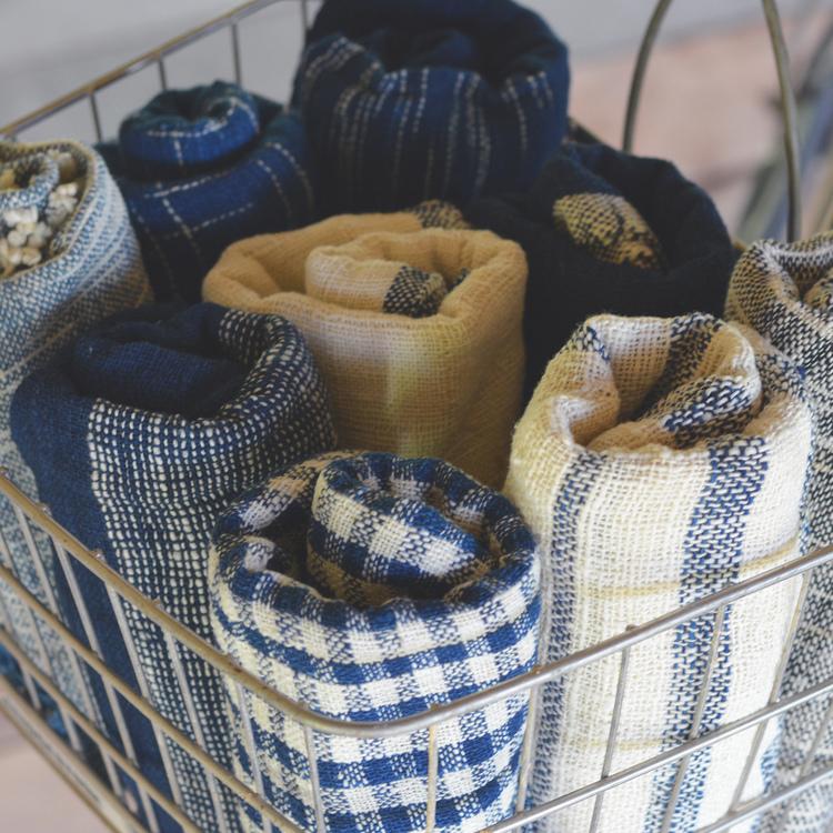 Écharpe en coton à mailles serrées, teinture indigo