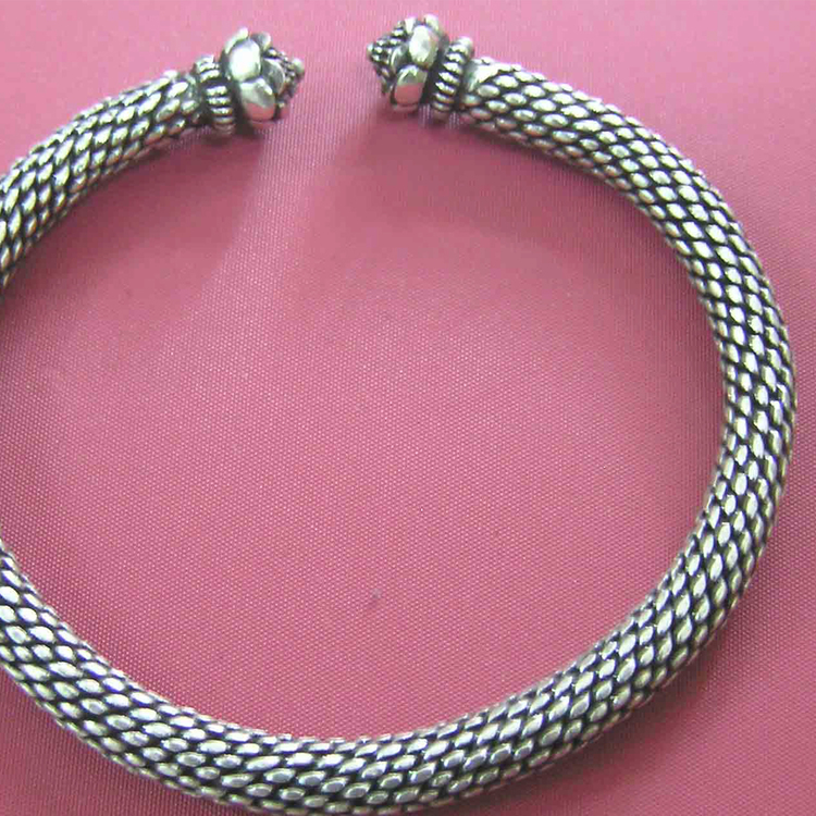 Bracelet Dok Pi-khune
