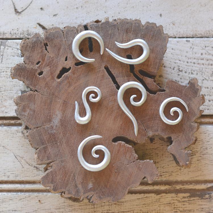 Boucles d'oreilles (ou pendentifs) de grand format