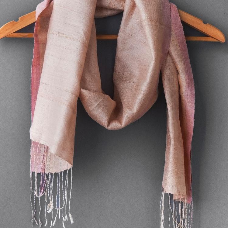 Foulard de finition, couleur rose