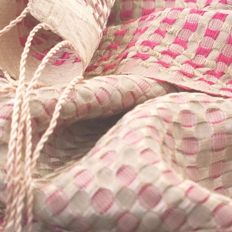 Écharpe traditionnelle, motif à carreaux