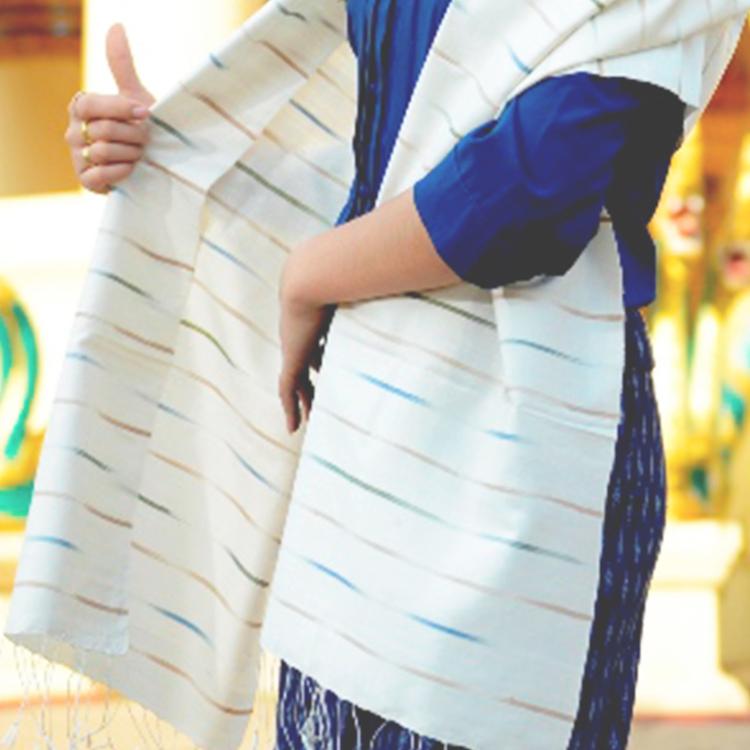 Écharpe arc-en-ciel en soie