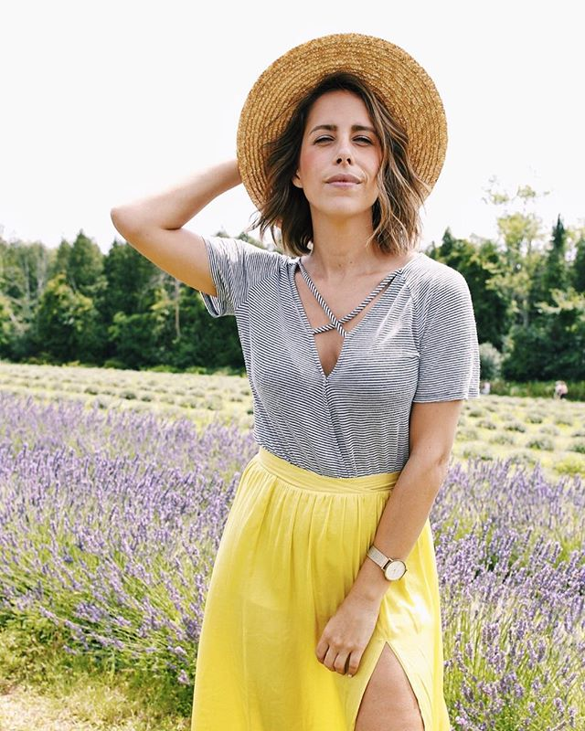 You can take this girl out of France, but you can't take France out of this girl. Channeling all the lavender feels, just minutes from our family home. 💜💛