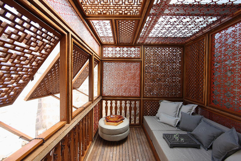 Palace-Lesic-Dimitri-Korcula-stairs