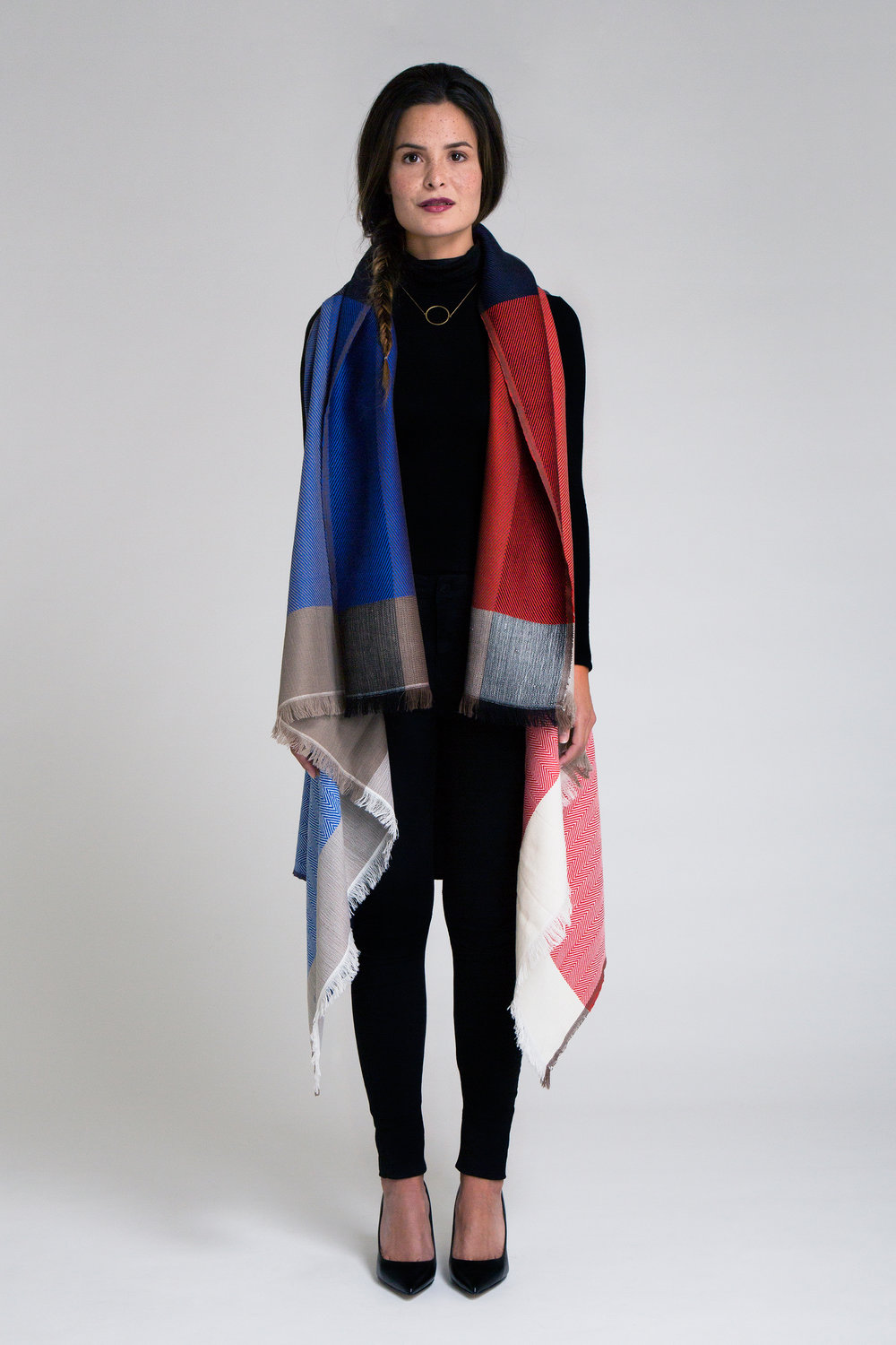 Karigar Cape - Red/Blue