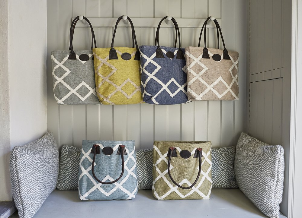 STYLISH BAGS FOR EVERYDAY LUXURY - MADE FROM RECYCLED PLASTIC