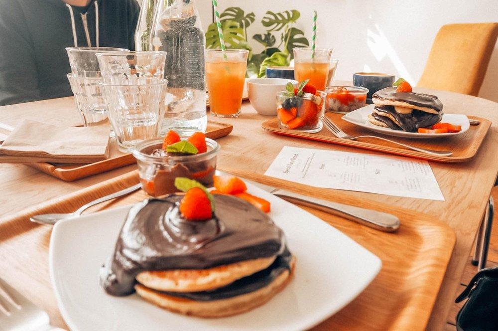 Vegan pancakes.jpg