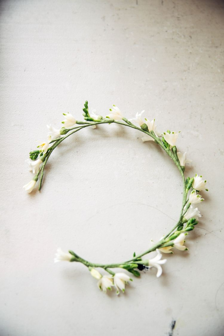 The prettiest flower crown. Image from Pinterest.