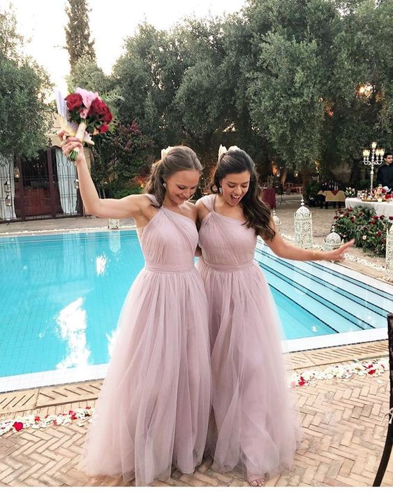 Alice's spectacular Moroccan wedding with her best girls wearing Luna in Smoked Orchid.