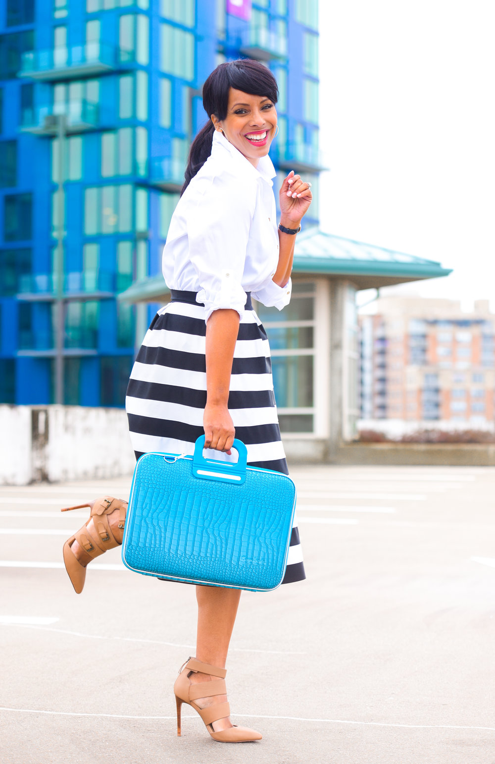 Raquel's seen in collaboration with bombata bags