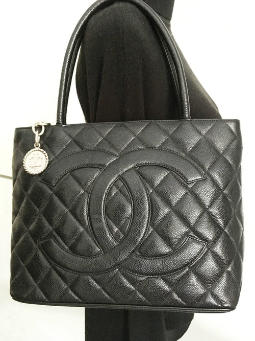 69968b147fb936 SOLD Caviar 4 - Dec 16 - Black Caviar CC Silver Medallion Charm Shopper Tote  Bag