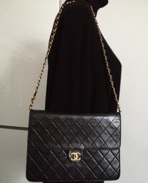 abfd02b079d2 100% Classic CHANEL Black Quilted Lambskin 24K Gold Chain 10