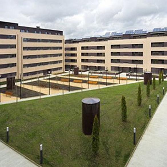 Edificio en Sarrigurren