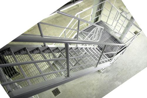trapp-med-rekkverk-bir.jpg