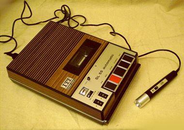 Vintage-Sanyo-M-2429H-Radio-Cassette-Player-2.jpg