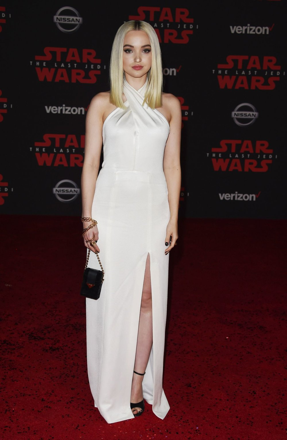 dove-cameron-star-wars-the-last-jedi-premiere-in-la-0.jpg