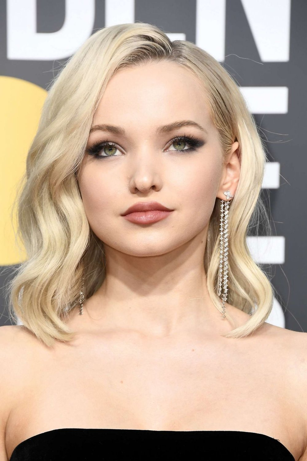 dove-cameron-at-2018-golden-globe-awards-in-beverly-hills-0.jpg