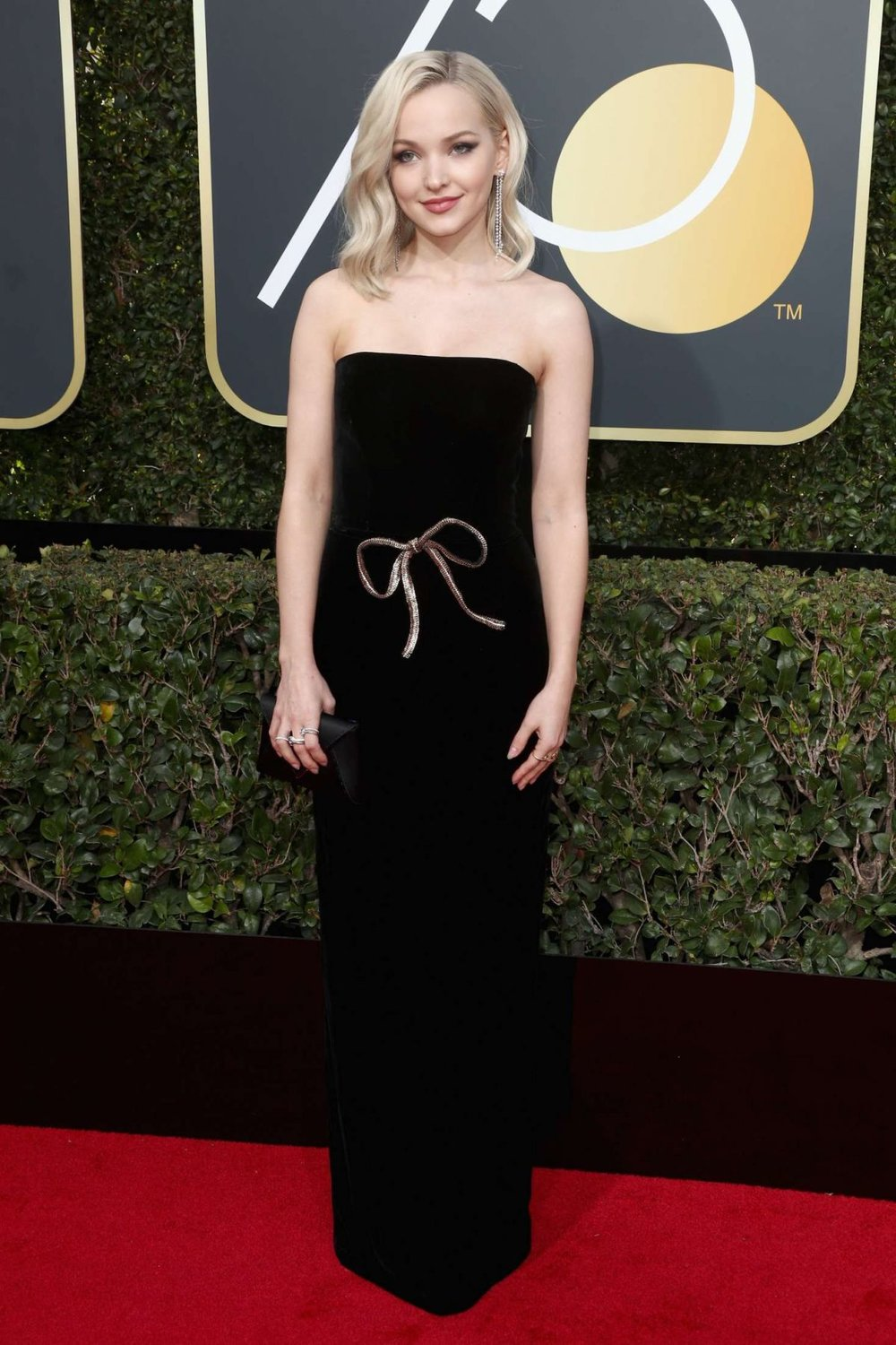 dove-cameron-at-2018-golden-globe-awards-in-beverly-hills-8.jpg