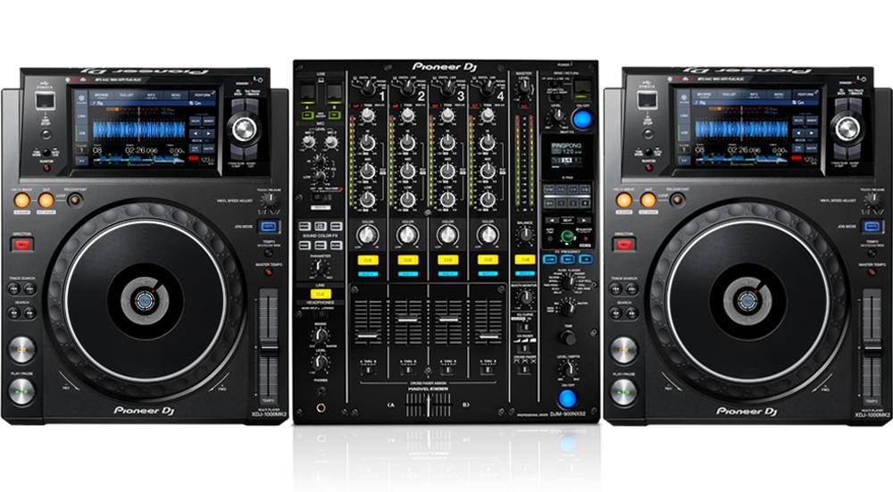Pioneer DJM900nxs2 with XDJ1000's