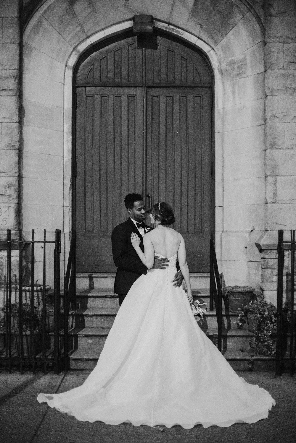 Caitlin&AndrewWeddingPreview-BW-3.jpg