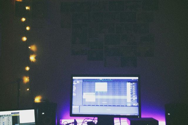 Logic on the little screen, Ableton on the big screen. The spaceship is growing.