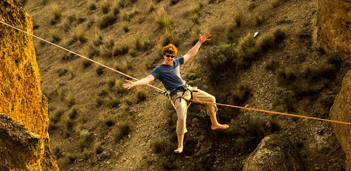Corey McCarthy highlining at Smith Rock!