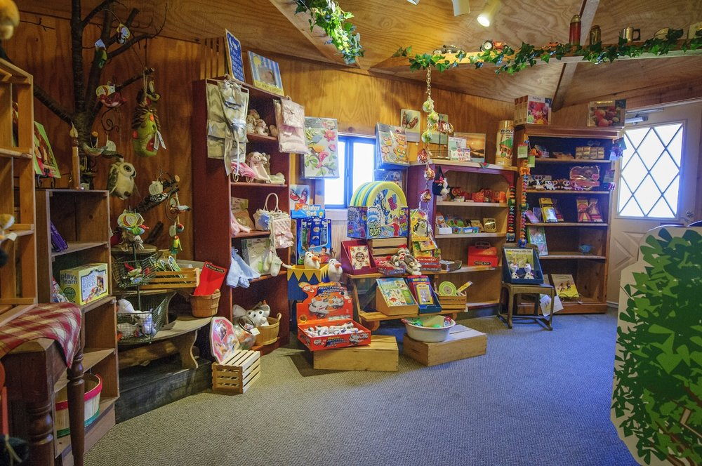 Friske's Farm Market General Store gift shop Atwood (Charlevoix) Northern Michigan