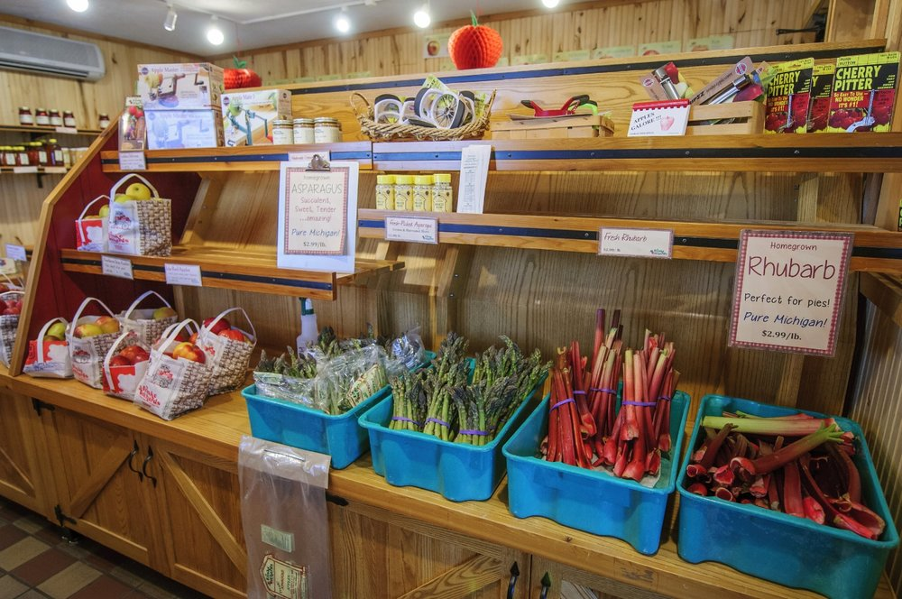 Friske's Farm Market Fruit Stand Atwood (Charlevoix), Northern Michigan