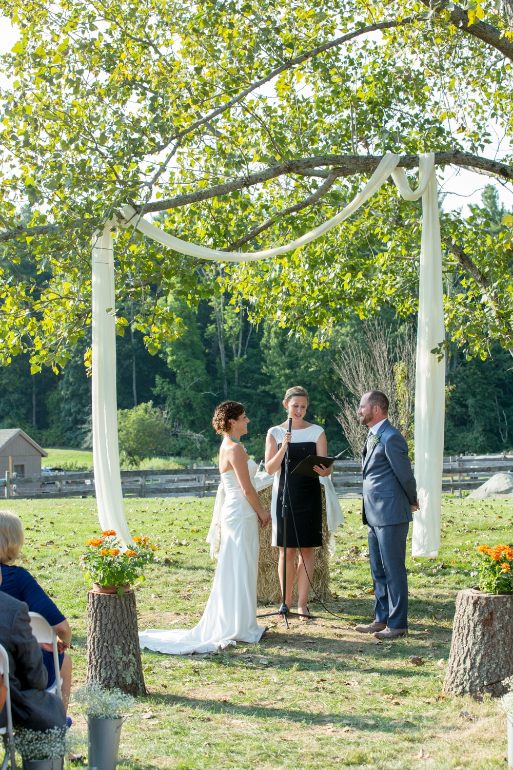 BearSpotFarmWedding_Nikki&Alex_0017.jpg