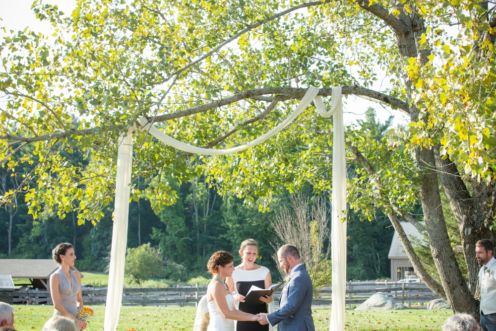 BearSpotFarmWedding_Nikki&Alex_0021.jpg