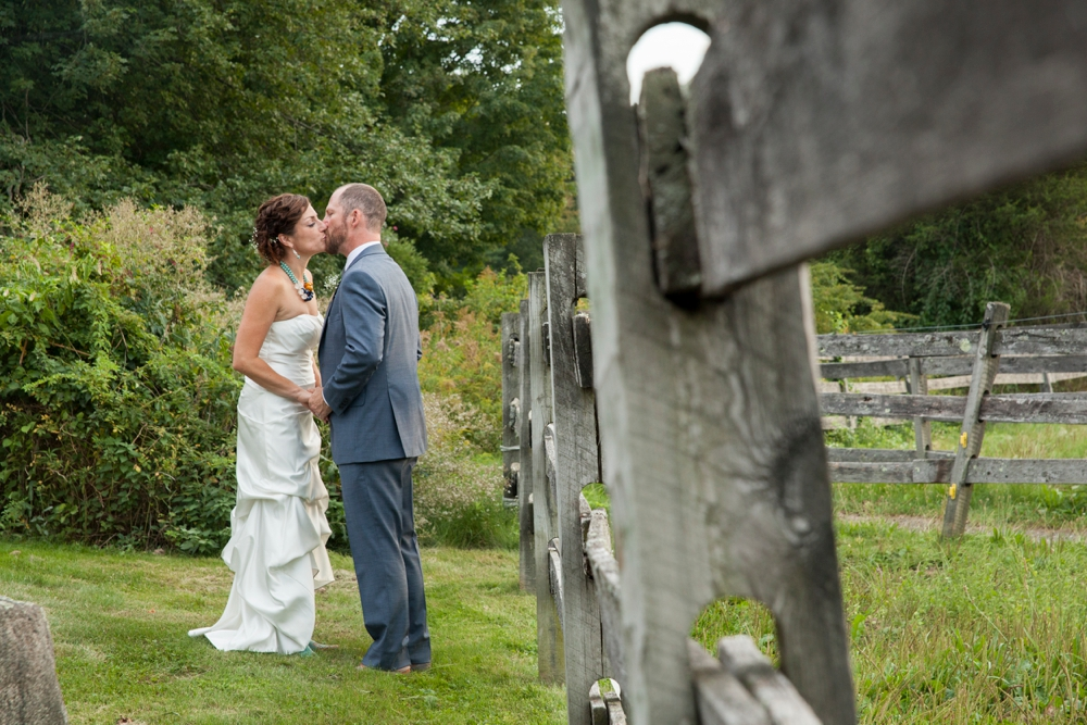 BearSpotFarm_Wedding_Nikki&Alex_0009.jpg