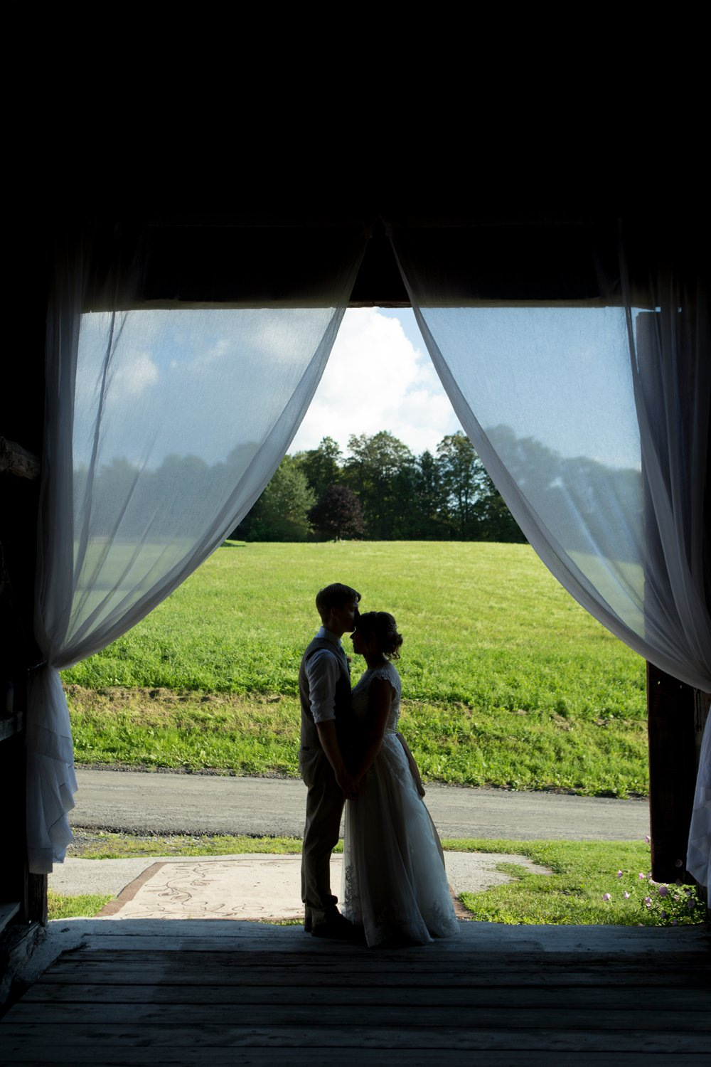 SomerbyJonesPhotography_VermontWedding_CyrBarn_CryBarnWedding_0044.jpg