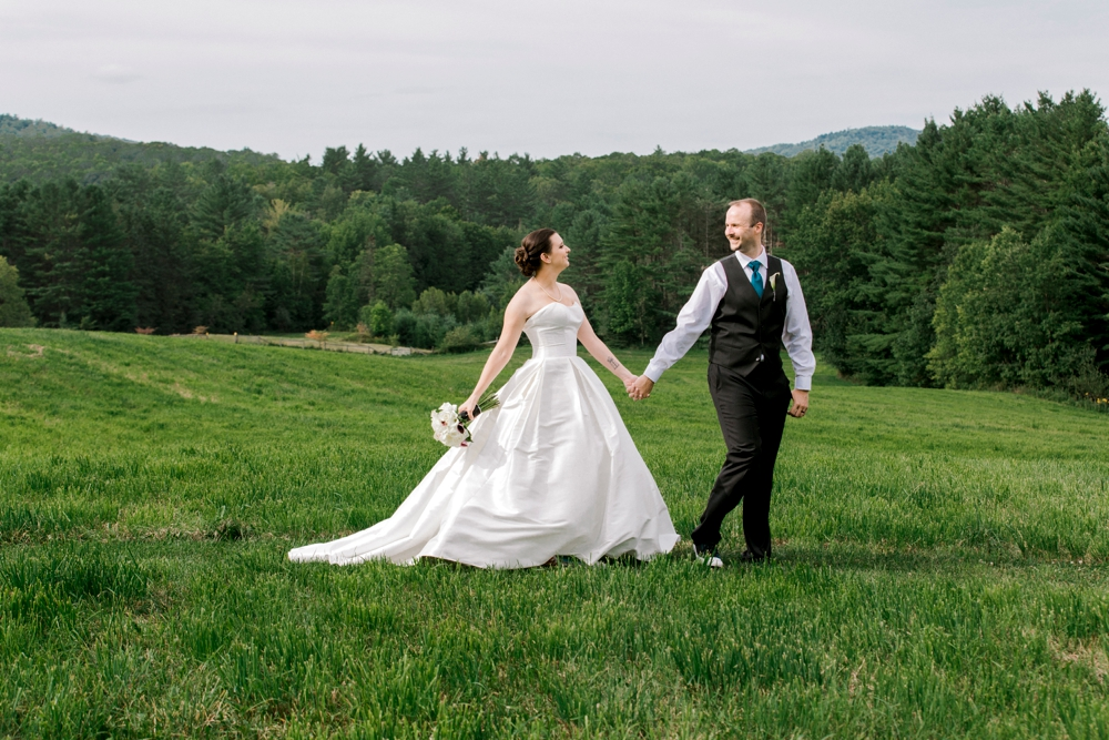 SomerbyJonesPhotography__VermontWedding_VTWedding_BackyardVermontWedding_0050.jpg