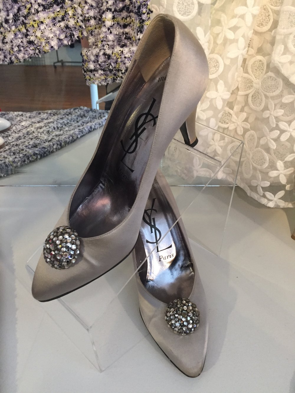 Vintage Yves Saint Laurent silver-grey pumps with embellishment. Size 8.5.