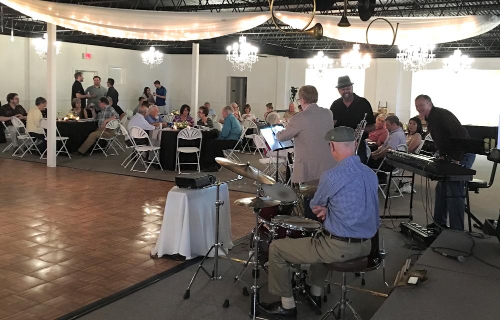 Jazz quartet and north tables.JPG