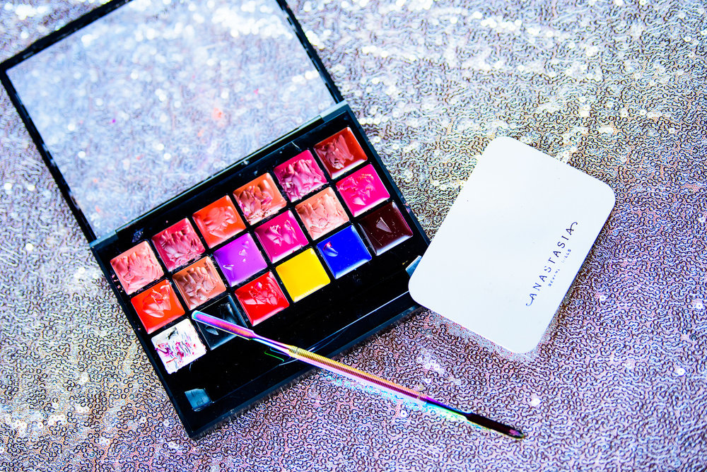 ISJ_5988-web makeup palette.jpeg
