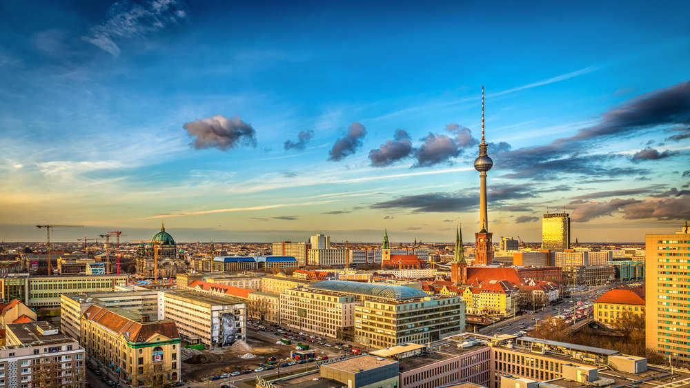 Berlin_Panorama_mit_Fernsehturm.jpg