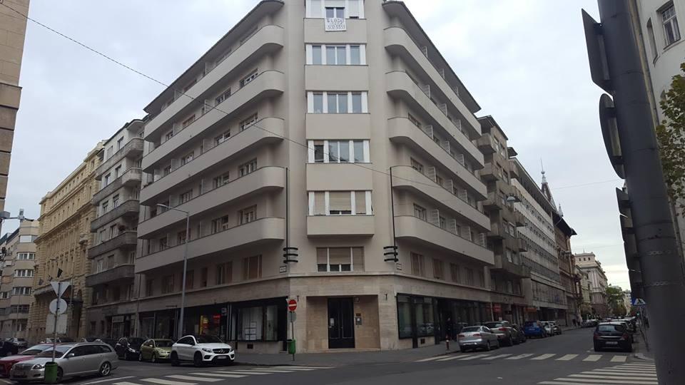 Angolo tra Szalay street e Honvéd street. Photo by Péter Kusztos