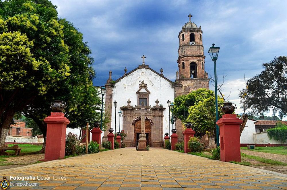 La chiesa di Santa Fe de la Laguna.