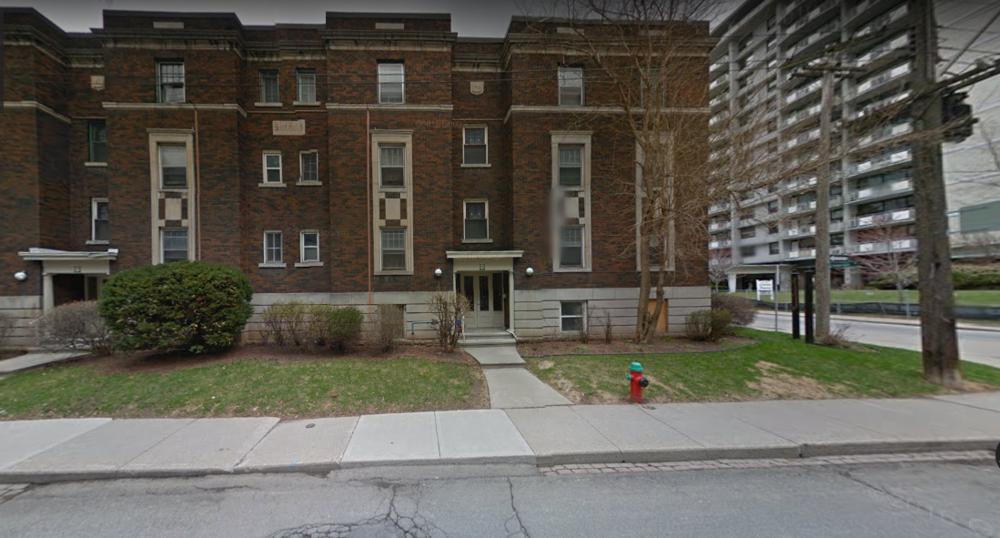 181 MacNab St S di Hamilton, Canada.
