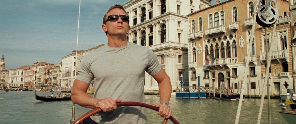 Bond arriving.jpg