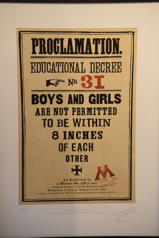 Decreto Educativo, MinaLima, Londra. Foto di Valerio Greco