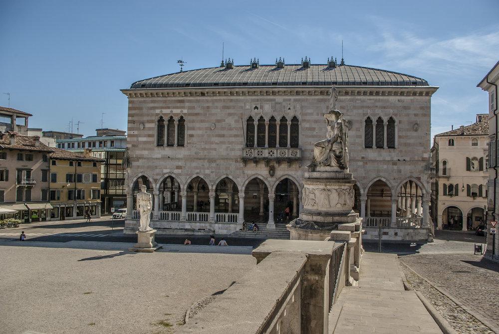 Piazza della Libertà, loggia del LIonello, Udine. Foto di  Stefano Merli