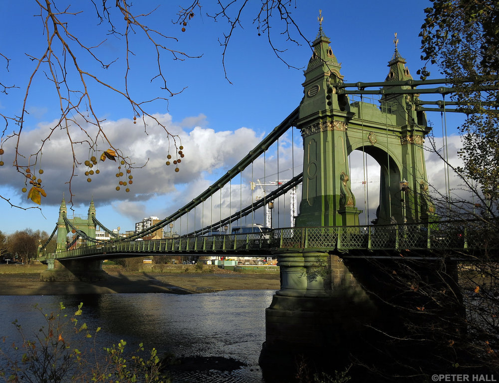 Hammersmith Bridge. Foto di  Peter Hall