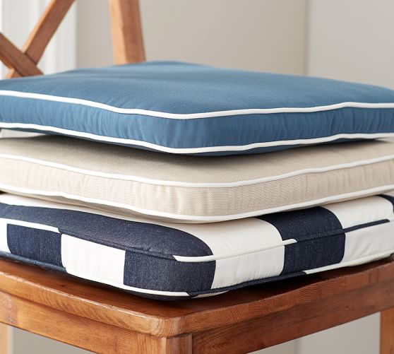 Etonnant Pottery Barn Nautical Style Light Blue, Beige, U0026 Navy Chair Cushions