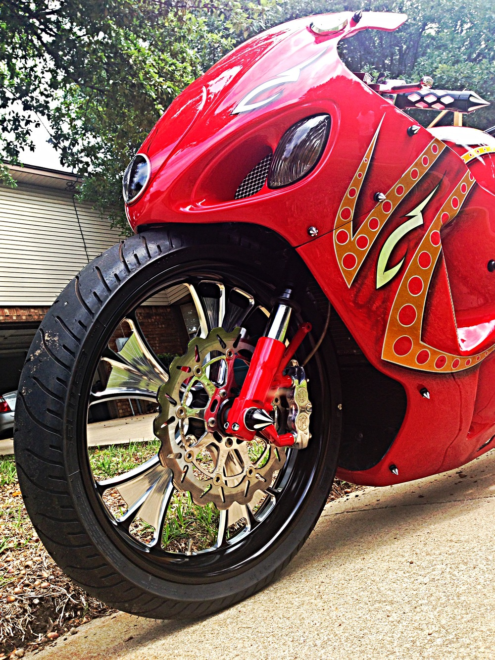 "21"" Raked Suzuki Hayabusa tucked on ""MK"" Air"