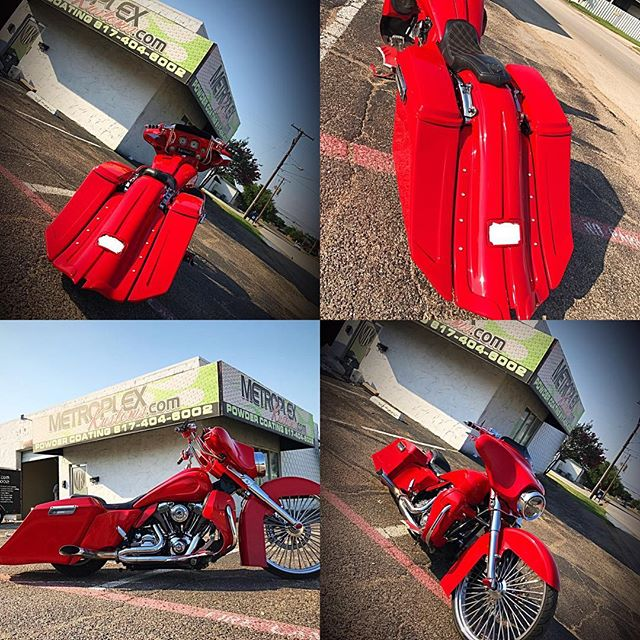 Building an empire comes second nature when you continuously put out masterpieces like this. Mi Raza Bears Christine! Sporting Powerhouse rear end as the new upgrade! *MK neck *MK Paint *MK Air ride w/swing arm tank