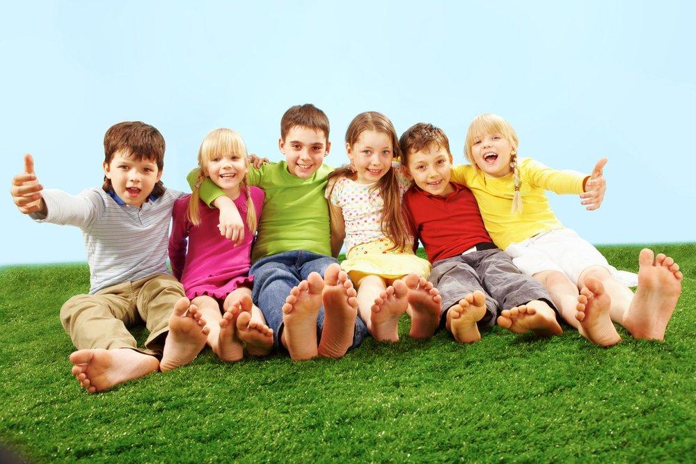 7602184_L_Children_Grass_Summer_Spring_Feet_Playing.jpg