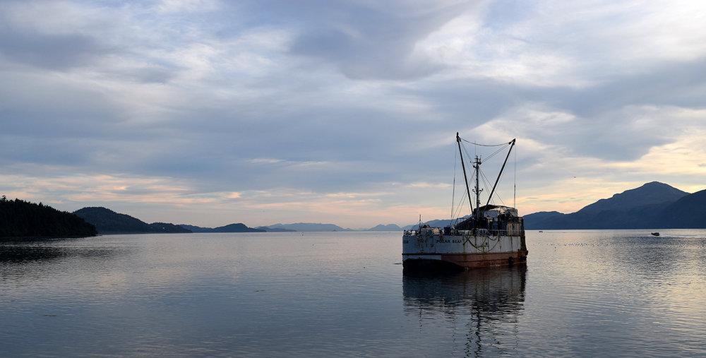 160717_CA_harbor_sunset_boat_geg.jpg
