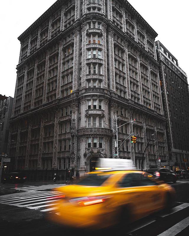 In a New York Minute ____________________________________ #agameoftones #ig_masterpiece #ig_exquisite #ig_shotz #global_hotshotz #superhubs #main_vision #master_shots #exclusive_shots #hubs_united #jaw_dropping_shotz #worldshotz #theworldshotz #pixel_ig #photographyislifee #photographyislife #photographysouls #photographyeveryday #photographylover #worldbestgram #iglobal_photographers #ig_great_pics #ig_myshot #shotwithlove #justgoshoot #xposuremag #collectivelycreate #heatercentral #highsnobiety #shotzdelight